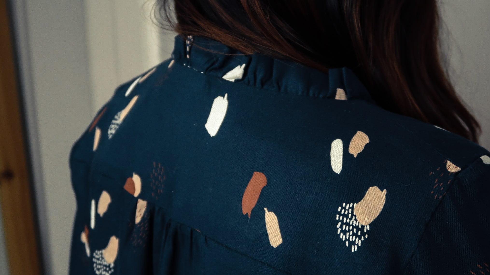 couture-et-paillettes-chemisier-wendy-sophie-denys-couture-dos-plis