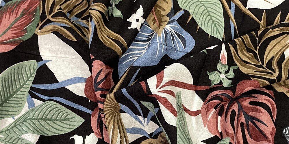 tissu-viscose-feuilles-colores-fond-noir